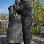 Photo of the Love Story statue in Khreshchatyk Park, Kiev.