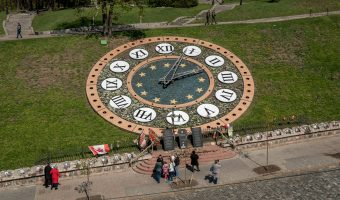 The Floral Clock on Heroyiv Nebesnoyi Sotni Alley in Kiev, next to Independence Square. Monuments to those that died during Euromaidan can be seen here.