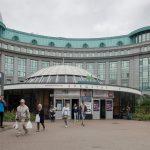 Entrance to Khreshchatyk Metro Station on Heroyiv Nebesnoyi Sotni Alley.